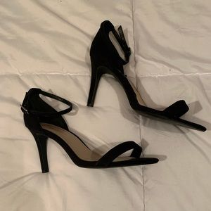 Simple Black Heels | Size 10 Wide